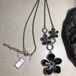 NWT Romy Fun flower design long necklace